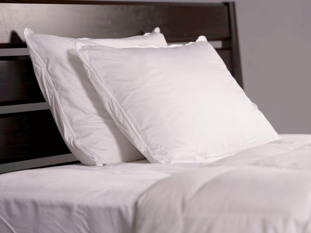 Hybrid Latex Pillow Covered on Mattress