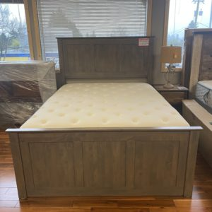 Queen Archbold Shaker 3 Drawer Low Pedestal Panel Driftwood Bed Frame 02