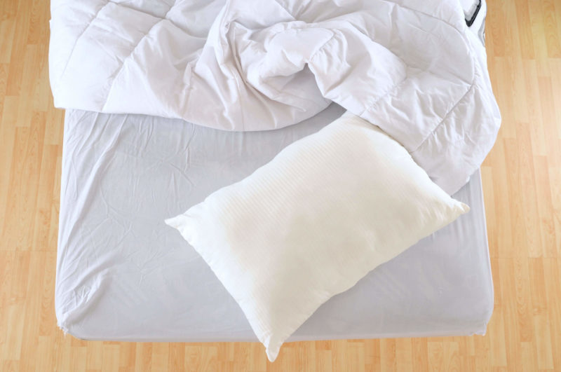mattress-white-bedding-how-to-shop-for-a-new-mattress